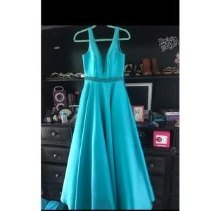330099e34b15 Dresses & Skirts - Goregous A-line prom dress